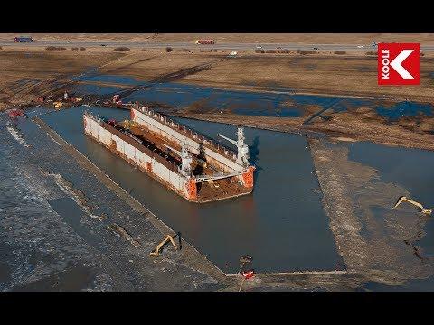Koole Contractors Salvage Of 6000 Ton Drydock