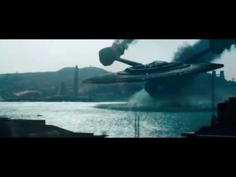 Star Trek Into Darkness:  USS Vengeance crashing into Starfleet Headquarters