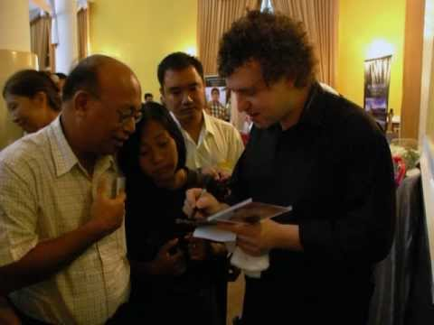 """VICTOR GOLDBERG Interview (Part 1) on 98.7 DZFE """"The Master's Touch"""" Philippines"""