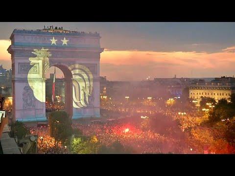 Γαλλία : Πανηγυρισμοί για την κατάκτηση του παγκοσμίου κυπέλλου…