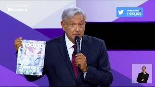 """AMLO muestra la revista Proceso y le dice """"corrupto enagañabobos"""""""