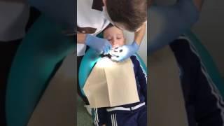 Вырвали зуб. Хороший стоматолог)