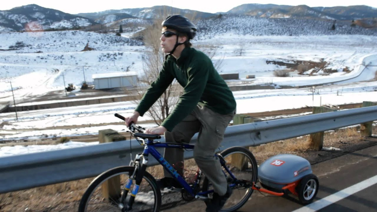 This Self-Powered Bike Trailer Frees The Lazy