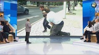 """На военкора напали в Донецке во время прямого эфира """"Время покажет"""""""