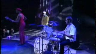 "Brand New Heavies ""Never Stop"" Live"