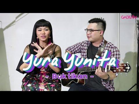 Yura Yunita - Buktikan (Live at GADISmagz)
