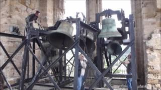 preview picture of video 'Cathédrale Saint Fulcran à Lodève - Volée manuelle des cloches 1, 2, 3, 4 & 6'