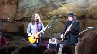 """Drivin' N' Cryin' - """"Honeysuckle Blue"""" (excerpt) - Live At Bluegrass Underground, Cumberland Caverns"""