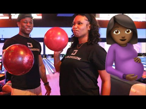 BOWLING WHILE PREGNANT (MUST WATCH!!) | VLOGMAS DAY 6
