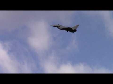 freewing-eurofighter-typhoon-90mm-edf-jet