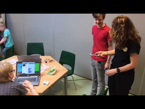 Bekijk details van Lotta's vlog #4: Coderdojo Micro:bit