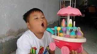 Đồ chơi trẻ em bé pin xe kem 2 tầng ❤ PinPin TV ❤ Baby toys cream two floor