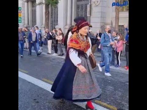 شاهد.. لحظات مدهشة من سيطرة الأغنام على شوارع مدريد