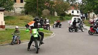 preview picture of video 'Sraz motorkářů Újezd u Brna   Náměstí nebeského klidu'