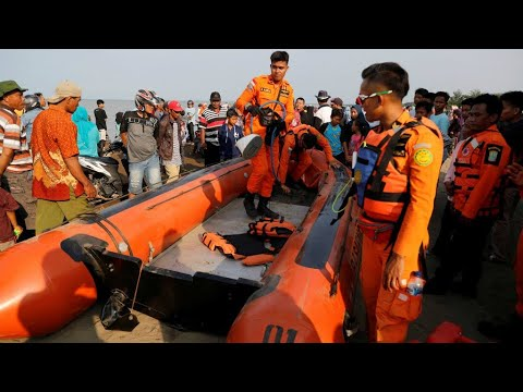 Divers recover black box of crashed Indonesia plane