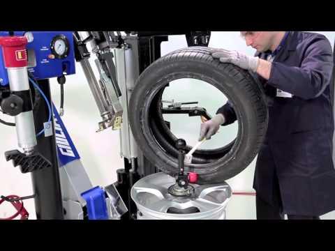 Montaggio / Smontaggio di uno pneumatico run flat con Crossage EVO Plus