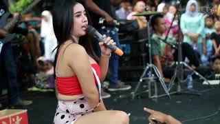 Gambar cover goyang maut desi tatha Lagi Syantik the madona
