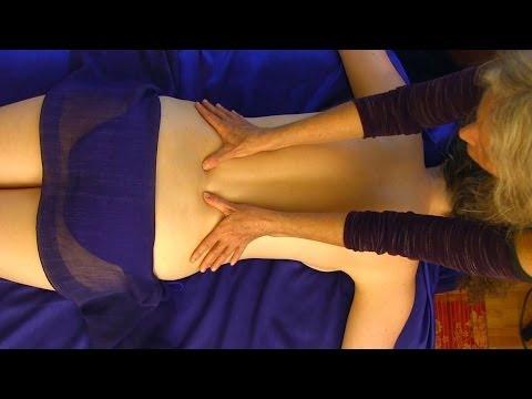 Atpalaiduojantis nugaros masažas – masažuoja Athena Jezik