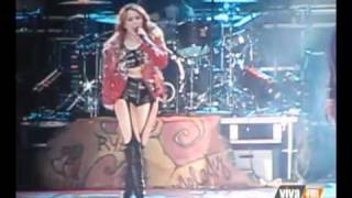 Gypsy Heart Tour à Lima - Party In The USA Performance - 01/05/11