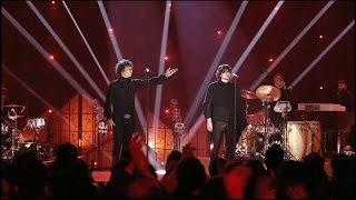 Enrique Bunbury  & León Larregui - La Chispa Adecuada (Live)