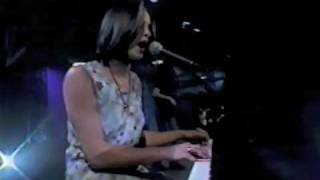 Chantal Kreviazuk | God Made Me | Hot Off The Docks 98