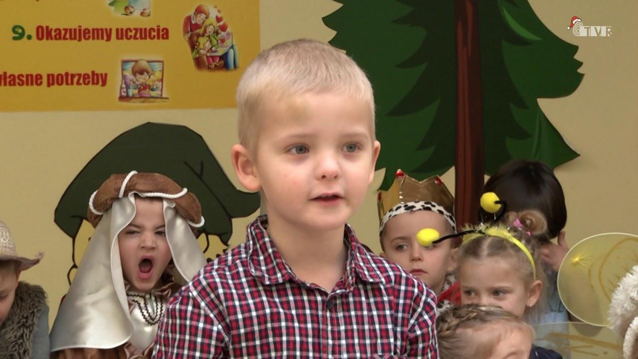Jasełka w przedszkolu nr 4 w Łasku – Kolumnie