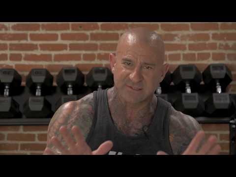Le programme de lentraînement des muscles sur les images