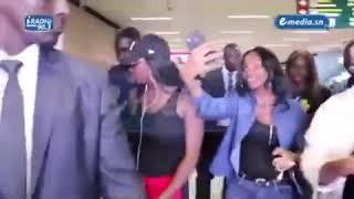 Aya nakamura refuse un selfie à une fan au Sénégal : la raison