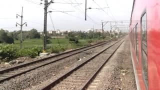preview picture of video '22109 Lokmany Tilak Terminus - Hazrat Nizamuddin AC Express Rips Kopar, Dombivali station'