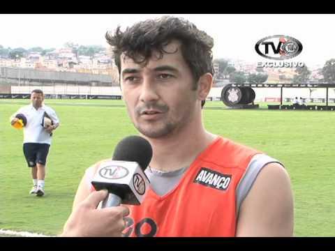 Maestro Douglas dá sua primeira entrevista após retornar ao Corinthians