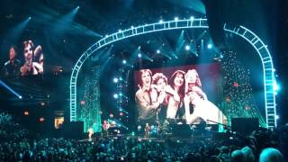 Journey - Don't Stop Believing at Rock and Roll Hall of Fame Inductions 2017