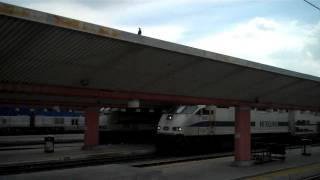 preview picture of video 'Metrolink Train Leaving Union Station'