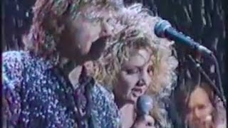 Dave Edmunds and Bonnie Tyler - Run, Run Rudolph