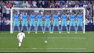 عندما يتحول حارس المرمى الى جدار عازل | افضل التصديات البطولية فى كرة القدم عام 2017 HD