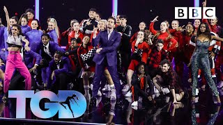 Dance Captains And Squads Open The Show To Giant - The Greatest Dancer   LIVE