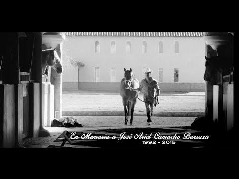 Hay Una Mujer - Ariel Camacho y los Plebes del Rancho  (Video)