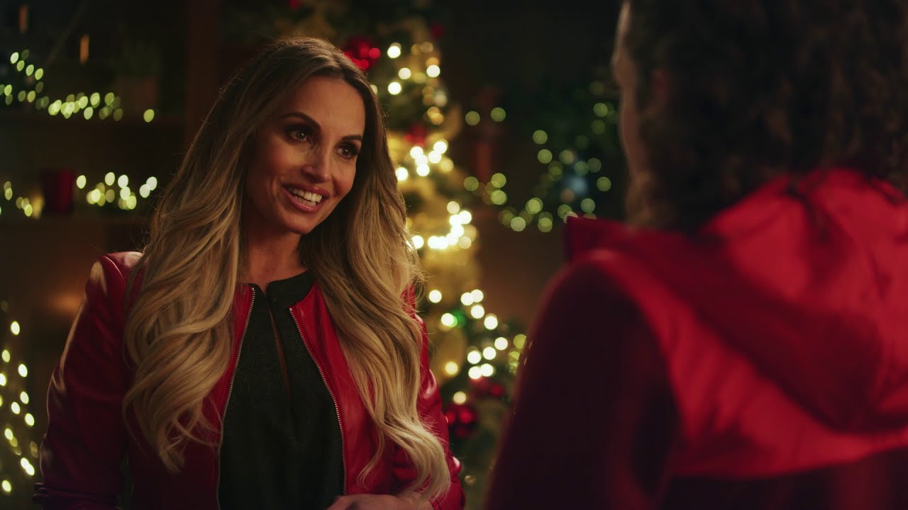 Trish Stratus co-stars in Christmas in the Rockies | Trailer