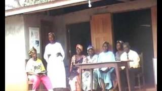 preview picture of video 'bulu : culte au village (1)'
