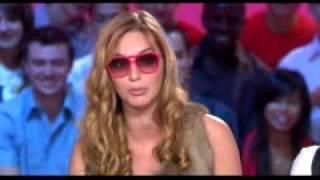 Arielle dombasles par Louise Bourgoin LU A LA TV