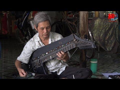 """""""Kỳ tài"""" Nguyễn Hồng Phước và cây đàn """"10 trong 1"""""""