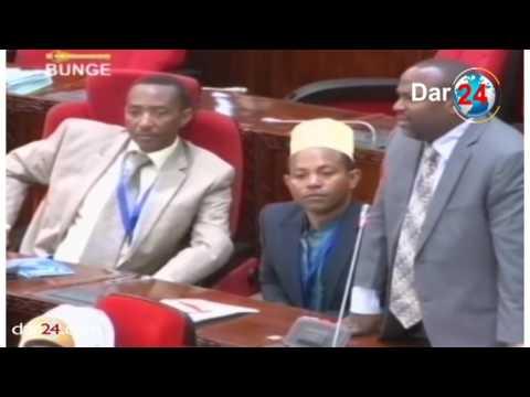 Lusinde - 'Mbowe anawapigia simu Wabunge wakae kwenye chai badala ya kuingia Bungeni'