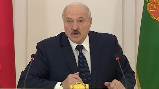 Лукашенко о коронавирусе: Вздули цены на маски - закрывайте и отбирайте эти аптеки!