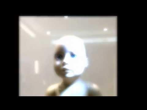 video inedito - i manichini nel periodo dei saldi