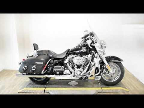 2010 Harley-Davidson Road King® Classic in Wauconda, Illinois - Video 1