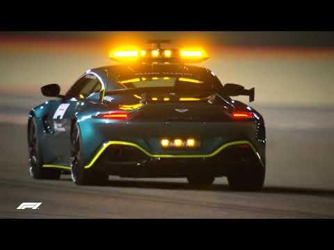 アストンマーティン「ヴァンテージ」とメルセデスAMG「GT R」が2021年のF1セーフティカーに選ばれた2台が走行する動画
