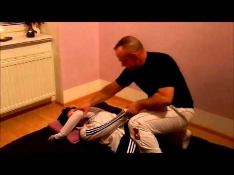 Übungen für Rückenschmerzen mit einem Vorsprung