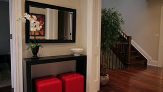 How To Decorate A Foyer