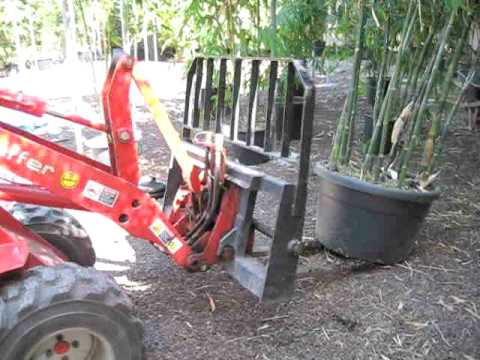 Schaffer Mini Loader 2000 action series - mini loader customers in focus