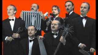 Video KUJOONI - Smells Like Teen Spirit (Es stinkt nach Johann Strauss