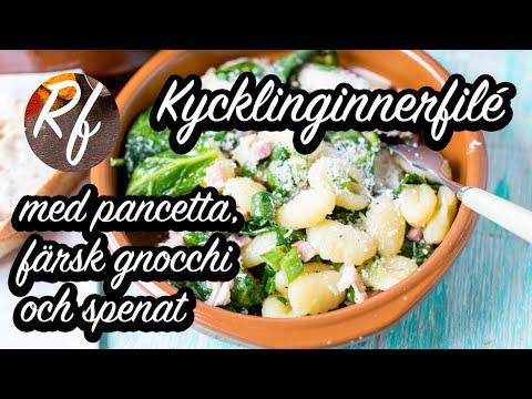 Kycklinginnerfilé med pancetta, färsk gnocchi, salvia, spenat, citron, salladslök och parmesan. En rätt festlig rätt till helg, lyxlunch eller middag. En slags kyckling-gnocchi-panna.>